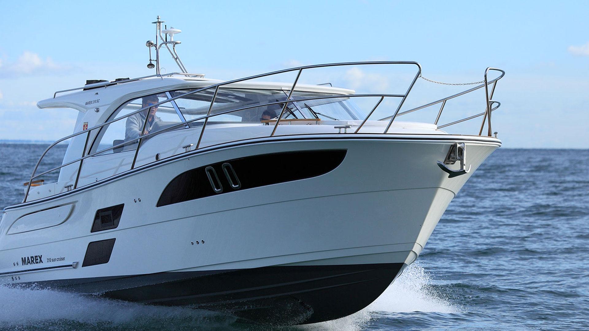 310 Sun Cruiser Exterior 3