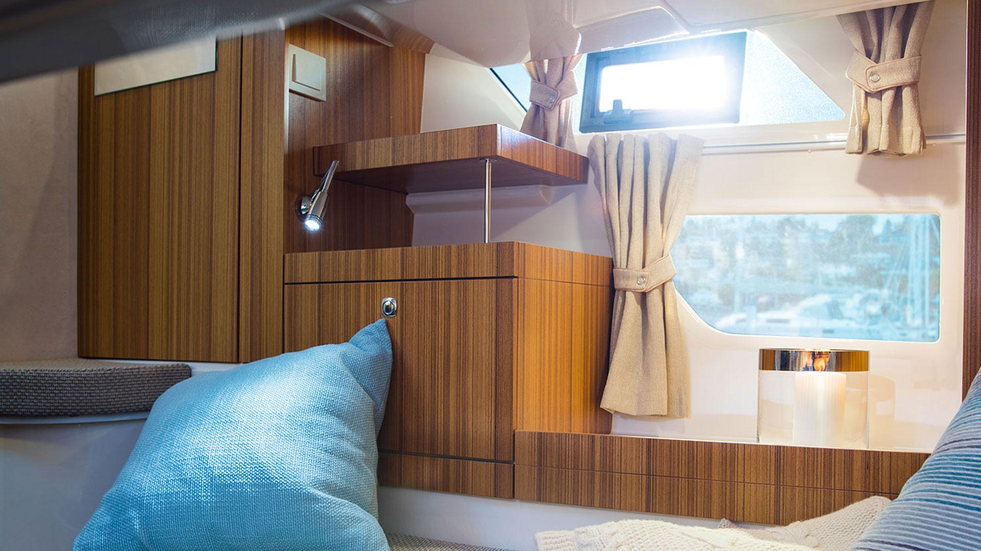 310 Sun Cruiser Interior 3