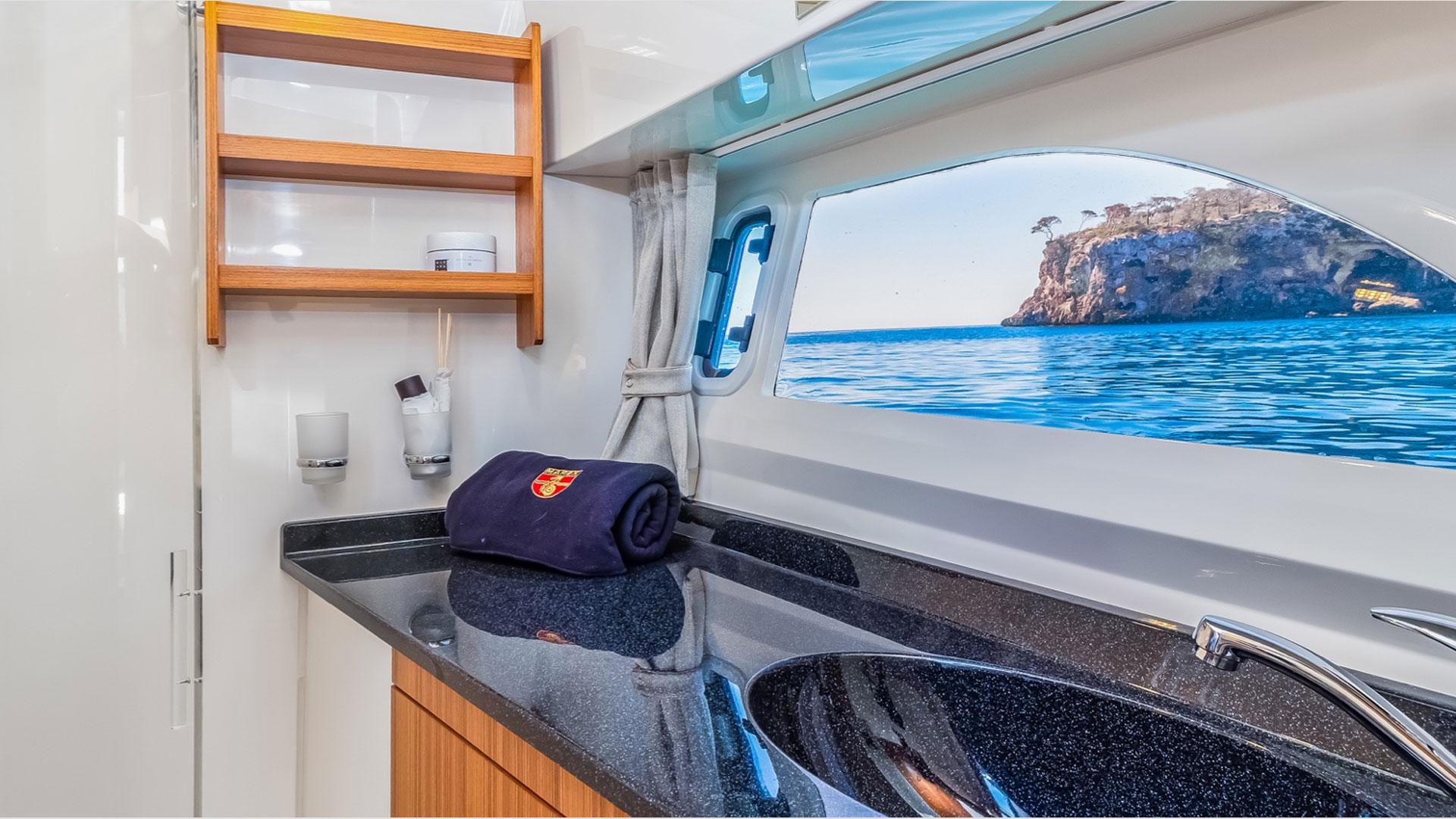 320 AFT Cabin Cruiser Interior 3
