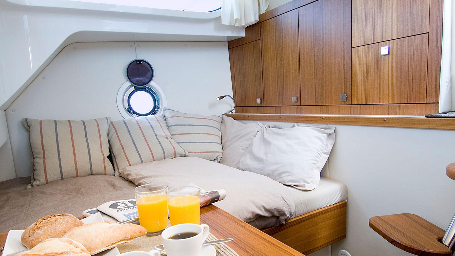 320 AFT Cabin Cruiser Interior 4
