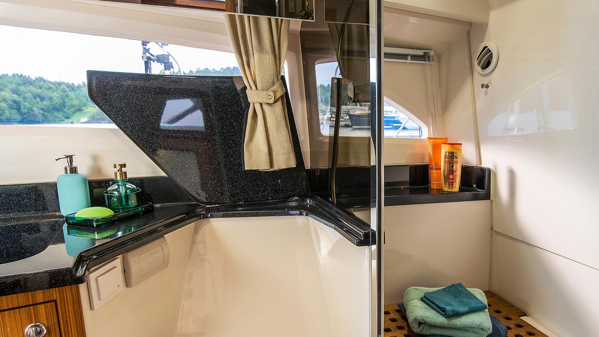 360 Cabriolet Cruiser Interior 3