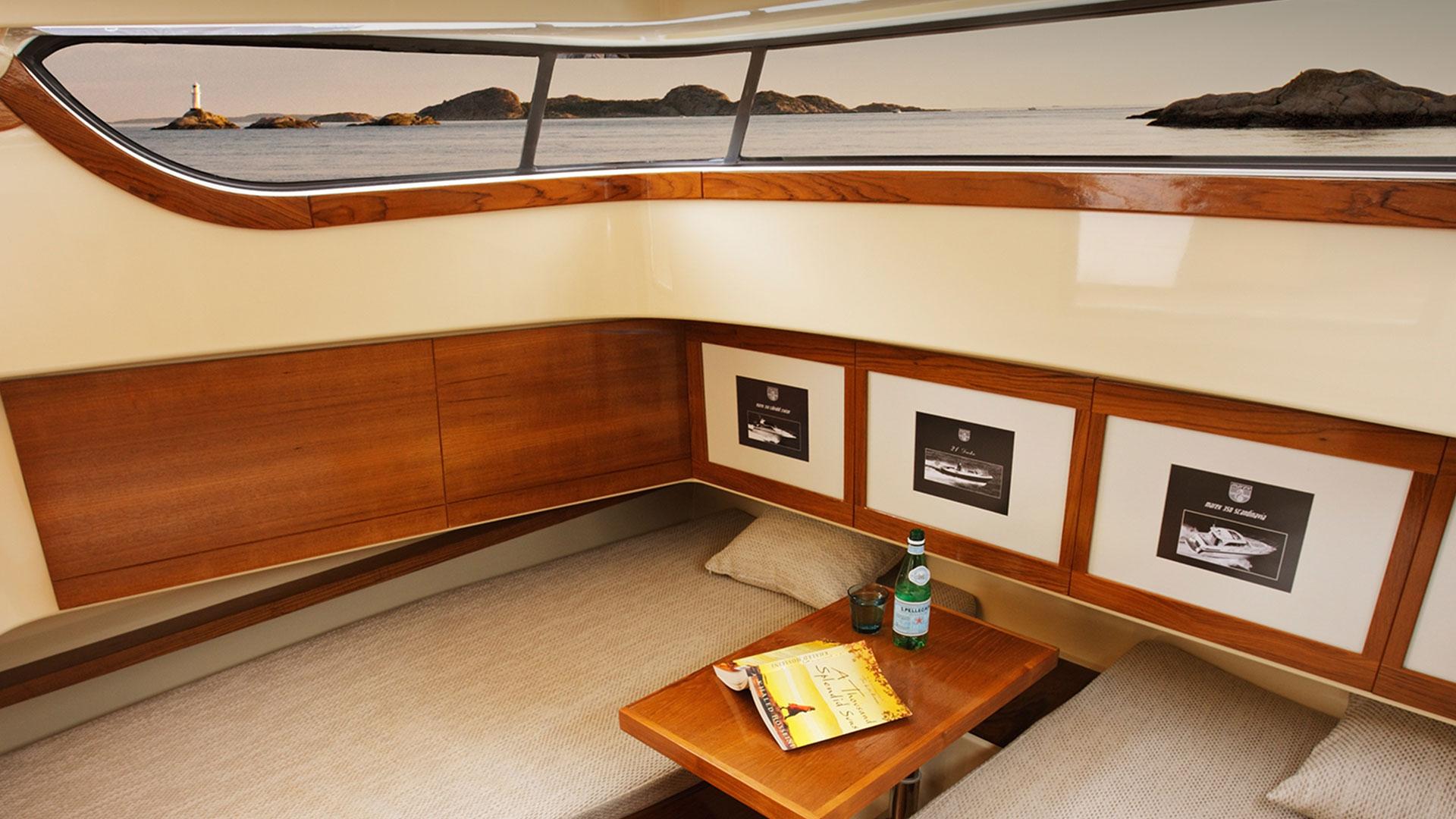 373 AFT Cabin Cruiser Interior